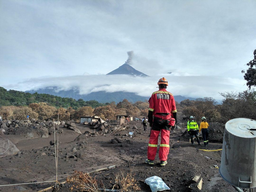 Intervenció a Guatemala després de l'erupció del volcà Fuego