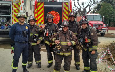Donaciones de material y formación para los bomberos de Santiago de Chile