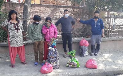 Repartiment d'aliments a Kathmandu – Nepal